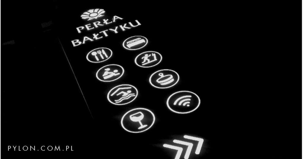 pylon-reklamowy-hotelu-perla-baltylu-swinoujscie