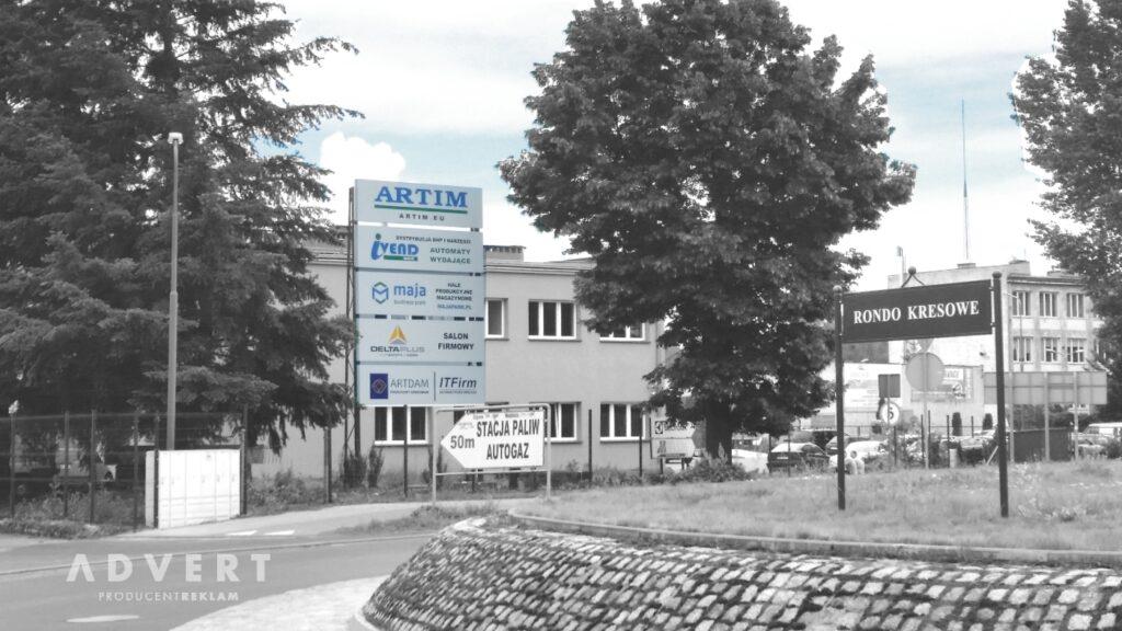 pylon Artim przy rondzie w Olawie - producent reklam Advert